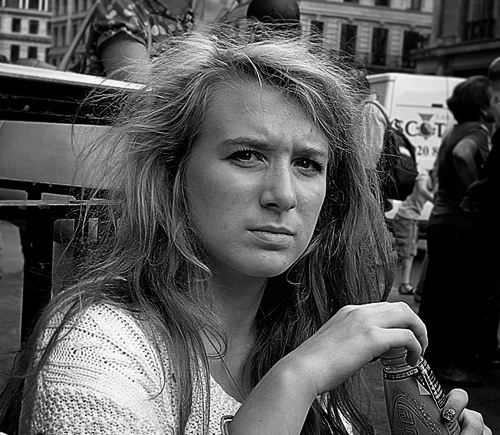 girl photographed oxford street london