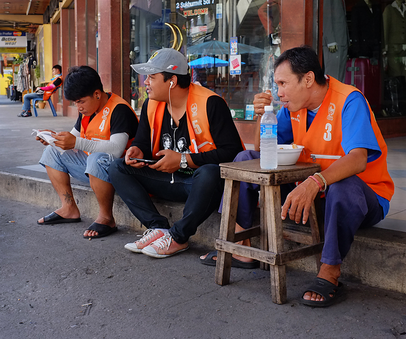 thailand-taxi-riders-35mmview